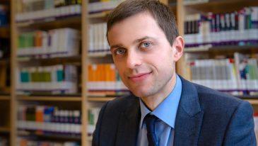 dr hab. Mariusz Ruszel